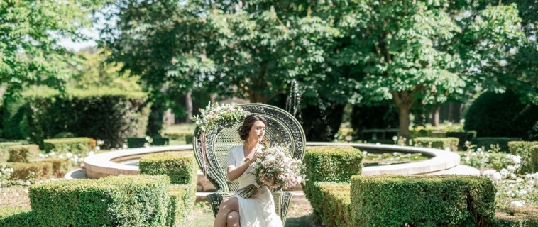 Spring wedding in the Alpilles- Provence