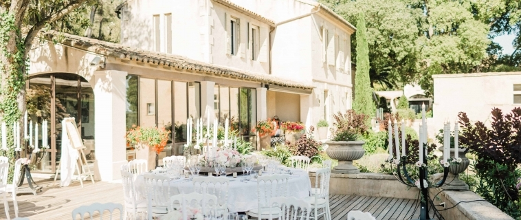 Intimate wedding in the Alpilles – Provence
